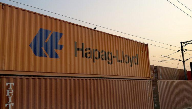 Ile płynie kontener z USA do Bremerhaven – koszt kontenera z USA
